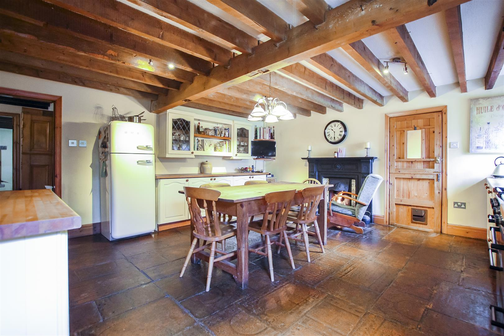 5 Bedroom Barn Conversion For Sale - Image 3